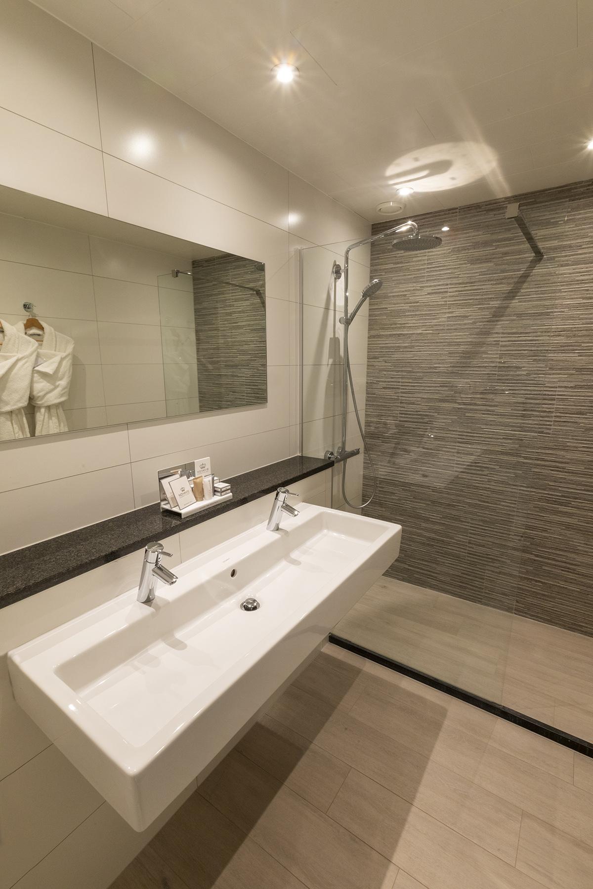 Badkamer superior kamer hotel St Pol